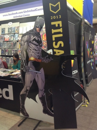 Foto de Callejeando. Figura de Batman en uno de los pasillos