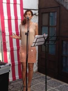 Música en vivo en francés hubo en la inauguración Ohhh la laaa
